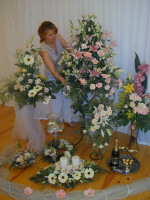 Finishing touches to Cyprus wedding flowers