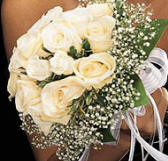 A bridal bouquet of cream roses in Cyprus